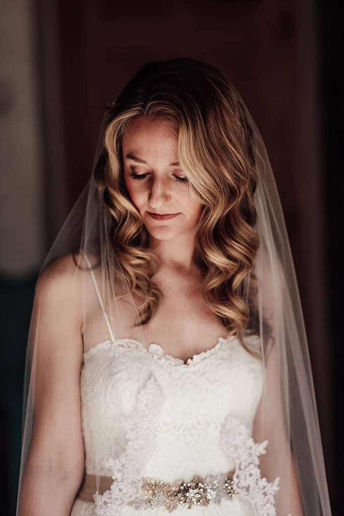 Beautiful bride Liz, soft vintage waves natural makeup