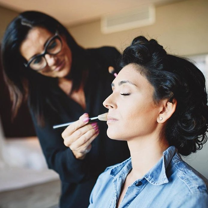 Amazing bride with Professional Hair Stylist and Makeup Artist